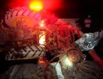 Colisão entre VW Gol e Trator na BR 146 deixa veículos destruídos e três feridosgraves